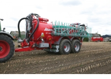 Slurry tanker - Slurry tanker 24m wide boom, joystick, touch screen controls