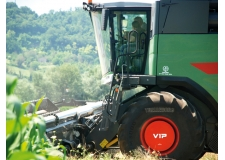 Trelleborg VIP System - System able to regulate by itself the pressure in the tyre according the actual load in a combine during the harvesting, adapted the footprint to an optimised value.
