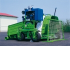 Bagger and bag - The bagger allows to store in the farm. Thanks to storage in bags, security and quality of  harvest are preserved.